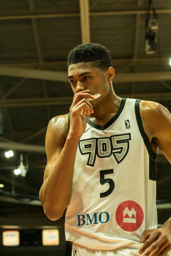 Red hot 905 Blow the Bulls Away, 123-104