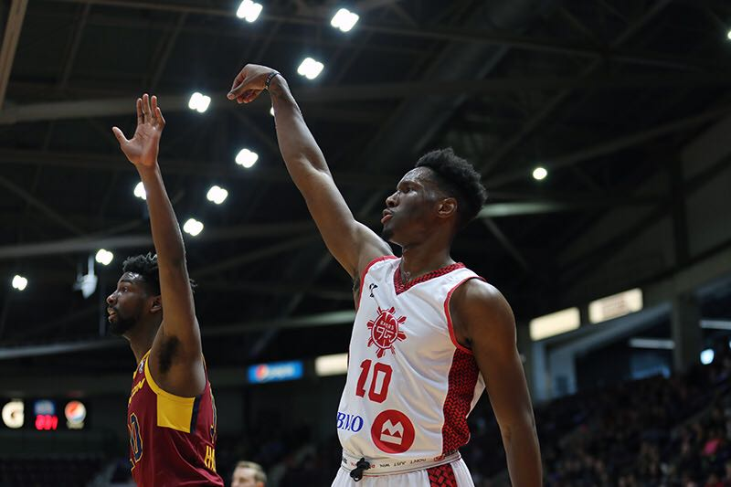 Raptors 905 rally late, defeat Canton Charge 106-97 in Lorenzo Brown's return